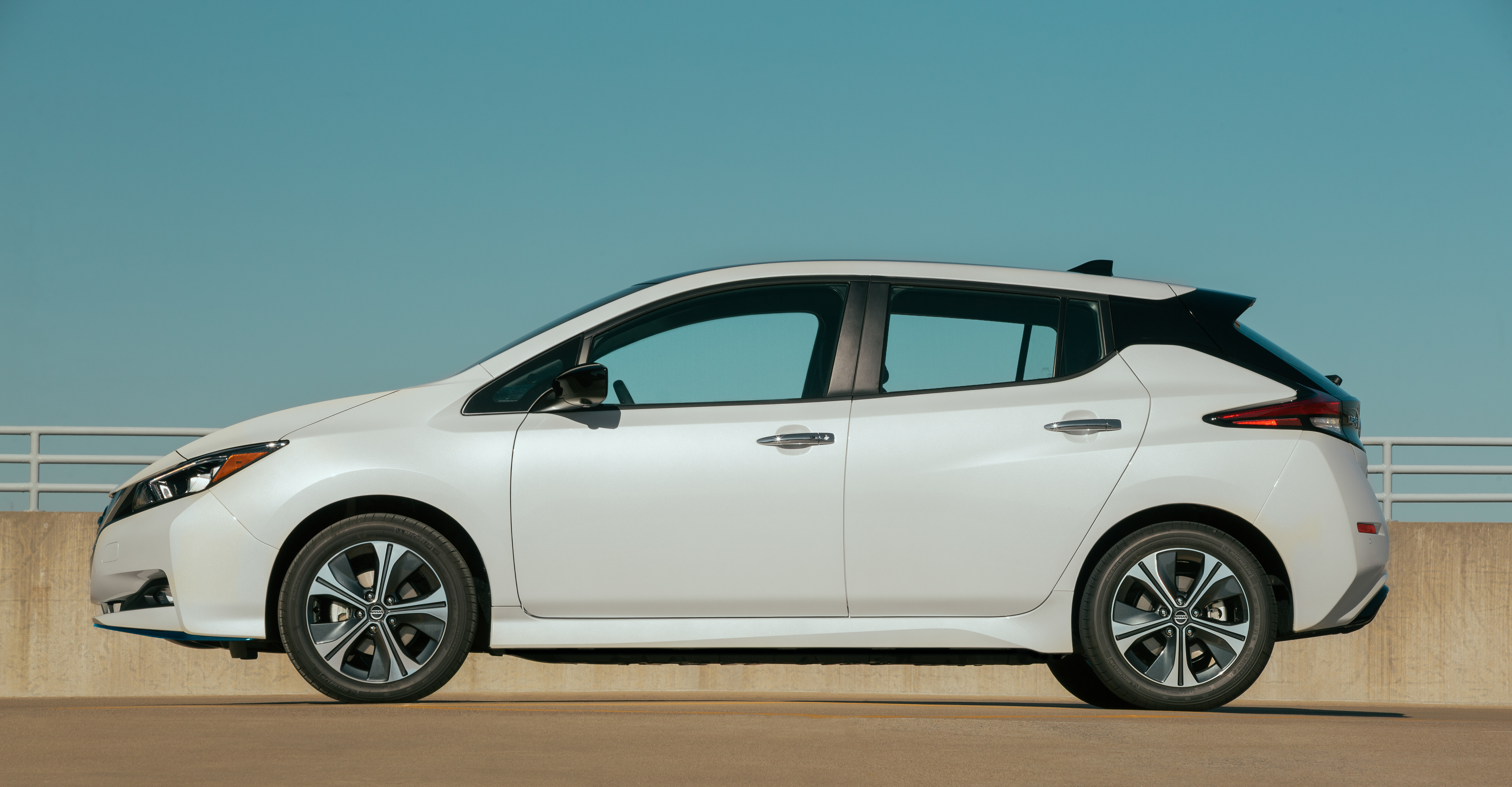 Nissan LEAF profile view