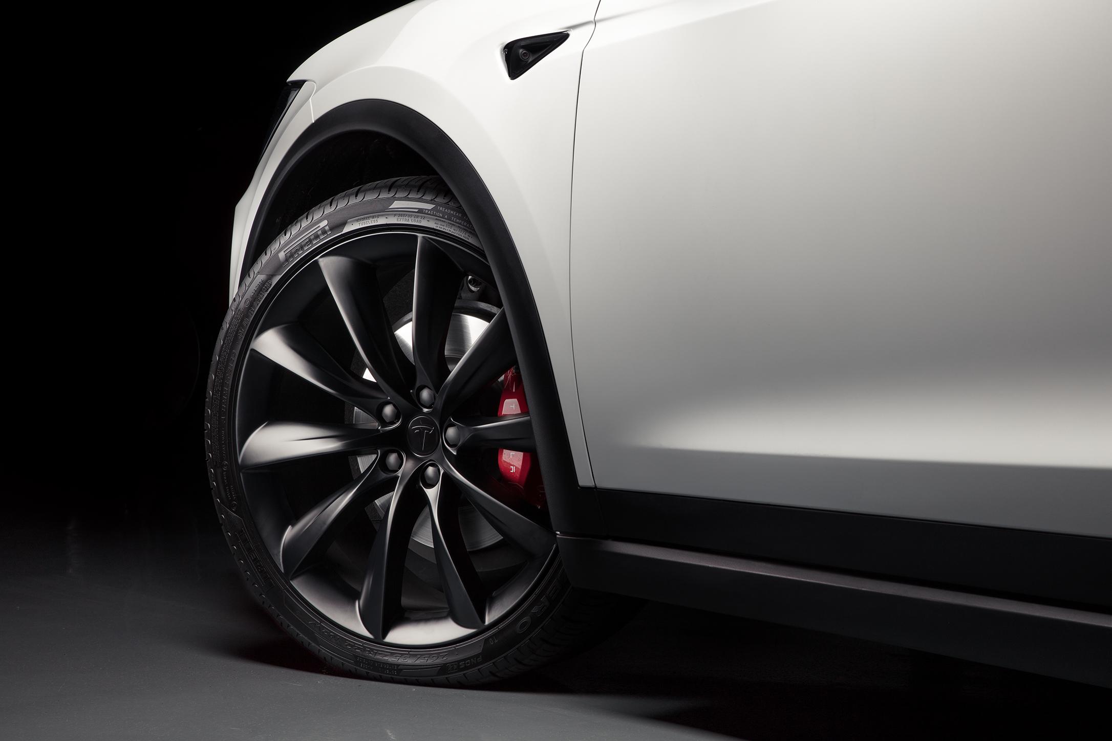 Model X rim detail