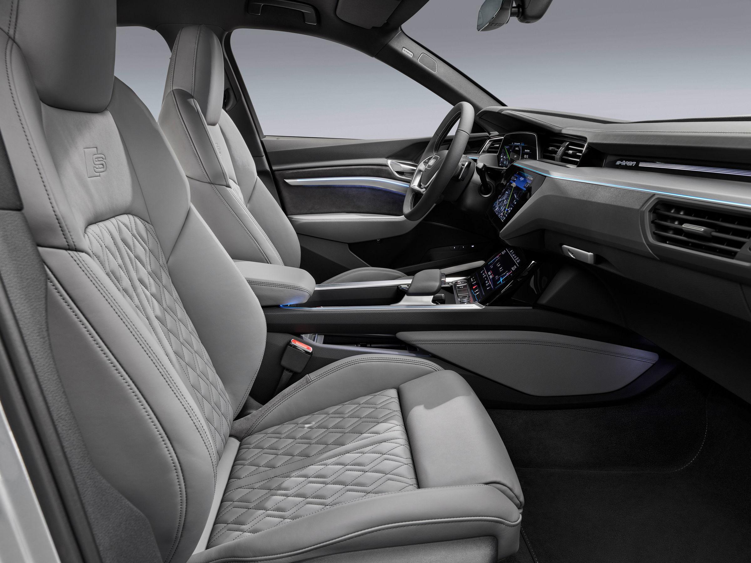 Audi e-tron Sportback front seats