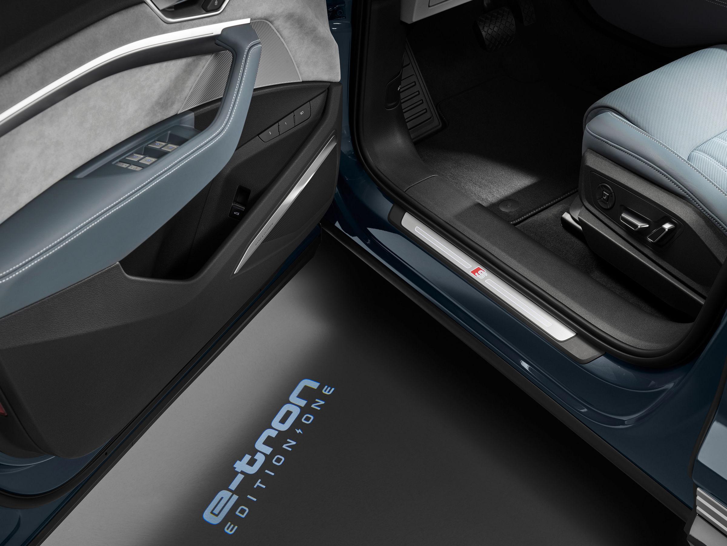 Audi e-tron Sportback door open