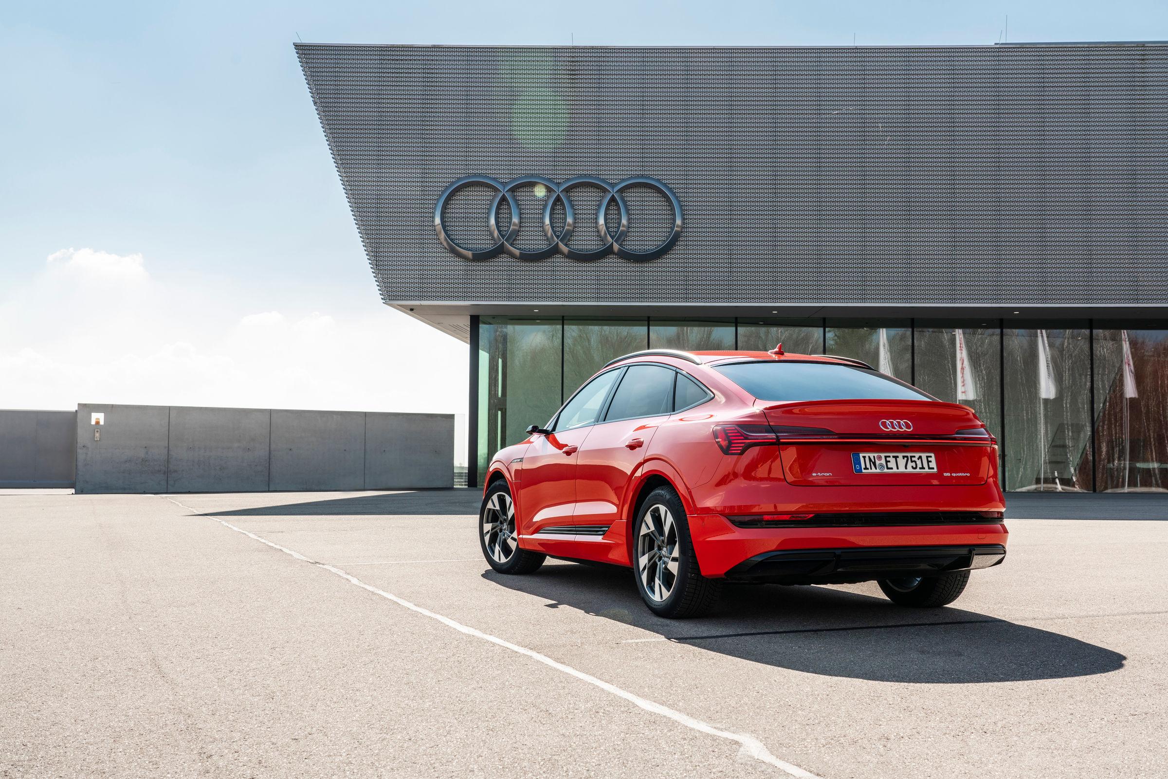 Audi e-tron Sportback in red