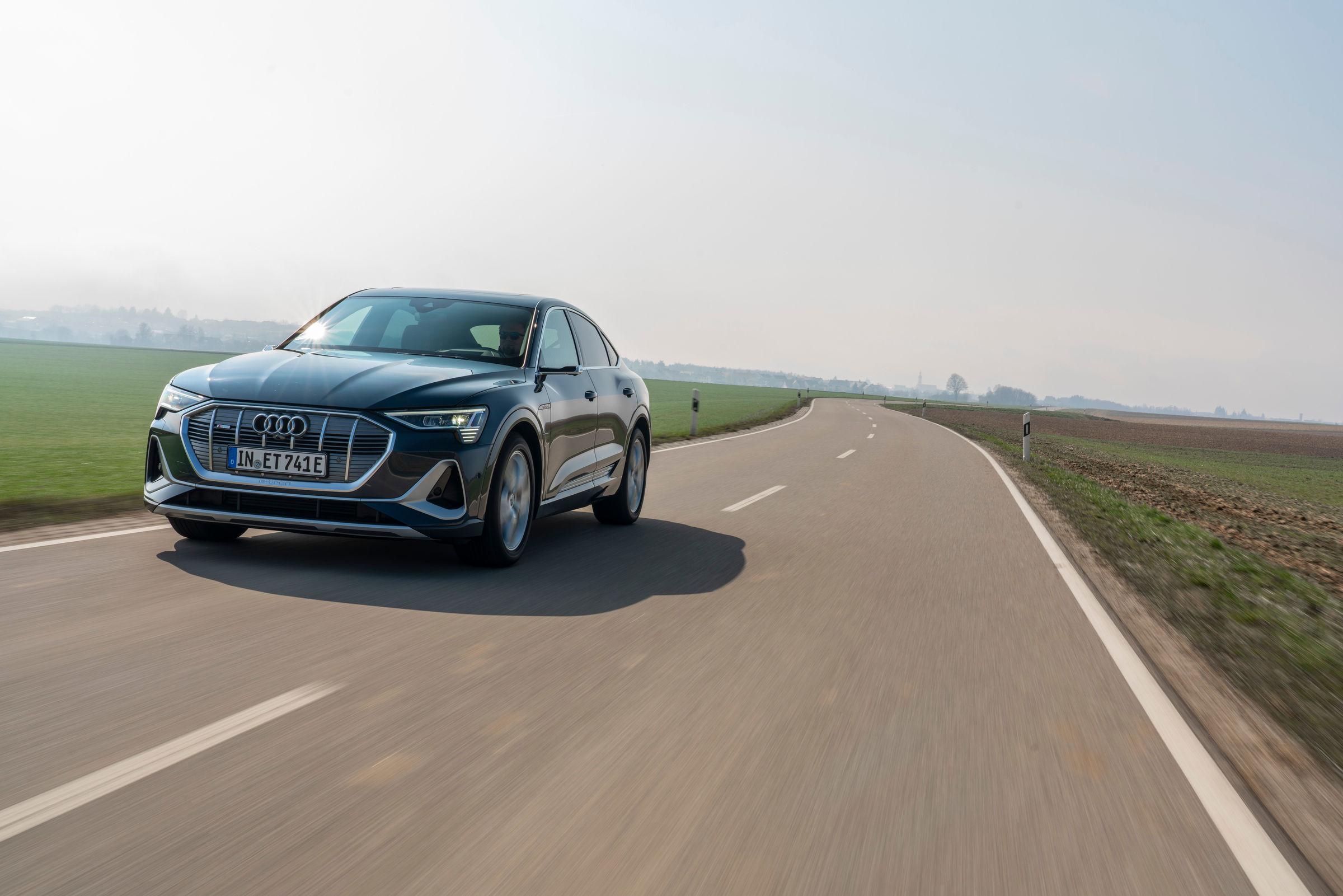 Audi e-tron Sportback front driving