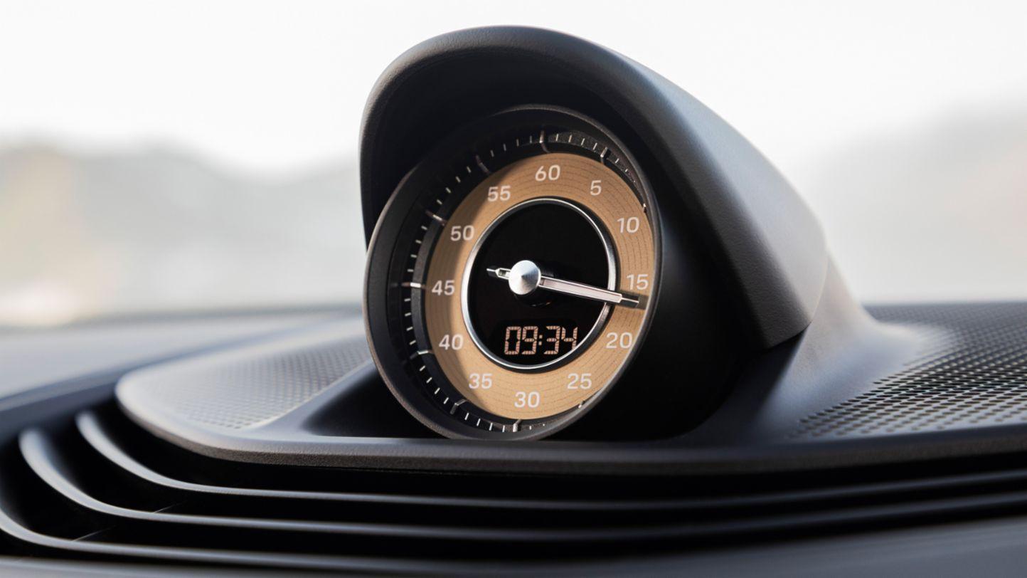Porsche Taycan dashboard clock